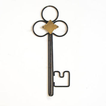 "Vintage Metal Key Holder, ""Keeper of the Keys"" Wall Hanging Key Hook Organizer Rack"