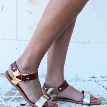 Dakota Sandal {Gold}
