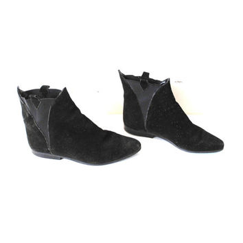 back suede CHELSEA boots 80s vintage pointy black leather SOUTHWESTERN pixie booties