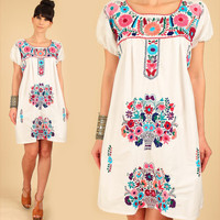 ViNtAgE 70's Mexican EMBROIDERED White MiNi Dress Tunic Floral Cotton Artisan Made HiPPiE Medium/Large