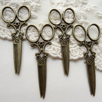 Set of 4 Antique Bronze Beautician Cutting Shears Vintage Style coiffeuse Barber Shears Antique Bronze Metal Cosemtology Hair Styling Charms