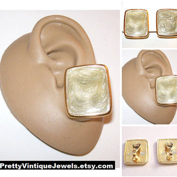 Monet Grey White Pearl Marbled Square Clip On Earrings Gold Tone Vintage Large Square Raised Band Edge Brushed Backs Comfort Paddles