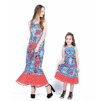 Matching Mother Daughter Clothes Long Beach Dress 2018 New Style Blue Pink Floral Family Dress Mother Daughter Summer