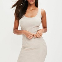 Missguided - Nude Ribbed Knitted Midi Dress