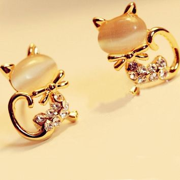 Korean Fashion Cute Cat Rhinestone Women's Stud Earrings