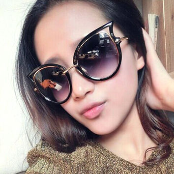Fashion  Glasses Women Trendy Eyewear Glasses Cat Eye Lens Eye Ladies Sexy Sunglasses Retro Women Point Sun