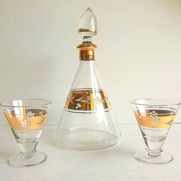 Vintage Mid Century Blown glass decanter w matching aperitif cordial liqueur glasses gold trim, etched floral design, solid glass stopper