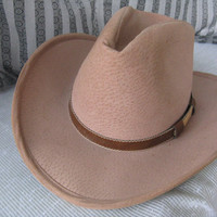Vintage Bailey  Mens  Tan Brown Leather Western Cowboy Hat, Large and slightly worn.