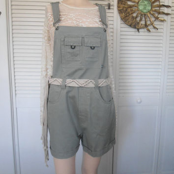 Size 15 jrs Vintage Green Khaki Bib Overall Cotton Shorts carpenter hipster 90s style clothes hippie boho bohemian style Womens dungarees