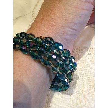 Vintage Styled Emerald toned Austrian Crystal/ Memory Wire Stretch Bracelet