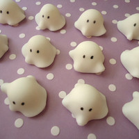 Halloween Ghost Cupcake Toppers - Fondant Ghosts - 3D