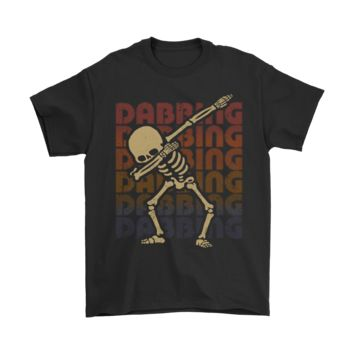 ONETOW Dabbing Skeleton Casual Vintage Retro Look Halloween Shirt