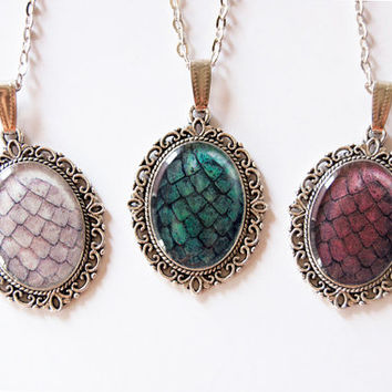 The Khaleesi Dragon Egg Necklace - Set of 3 Cameos - Daenerys Targaryen Stormborn Mother of Dragons - Handmade Game of Thrones Jewelry