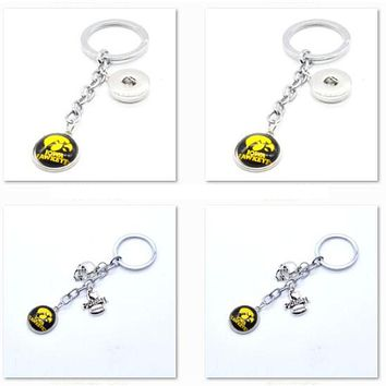 2017 New Football Keychain NCAA Iowa Hawkeyes Charm Key Chain Car Keyring for Women Men Party Birthday Keyrings Gifts