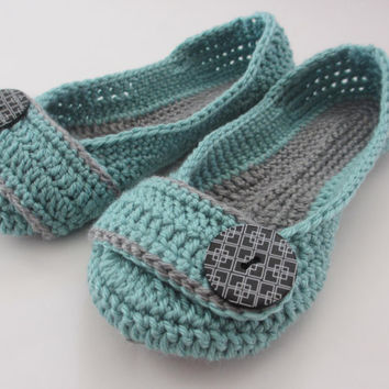 Women's Crochet Slippers - Button Slippers - Womens sizes 5 6 7 8 9 10 11- blue and gray - Custom made - Toddler