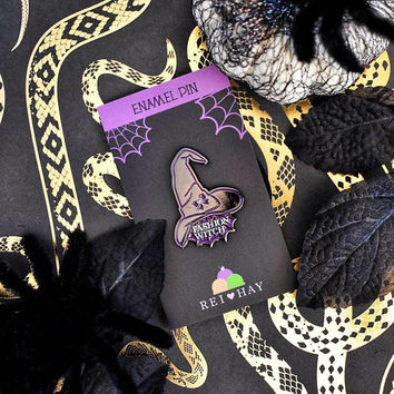 Gothic fashion witch enamel pin - spooky spoopy goth with hat spider accessory