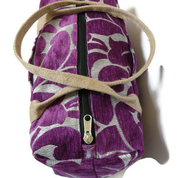 Purple duffle bag, trendy weekender, practical duffle bag, travel bag, overnight bag, gymbag woman,  for dance class, maxi bag