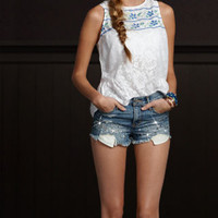 Bettys All In The Details | Bettys Summer | HollisterCo.com