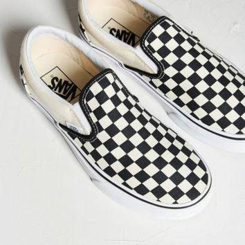 CREY9N Vans Checkered Slip-On Sneaker | Urban Outfitters