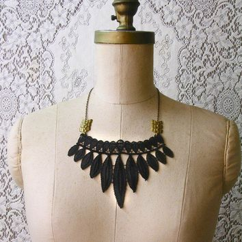 lace necklace TRIBE