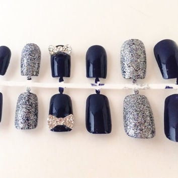 Best Silver Glitter Fake Nails Products on Wanelo