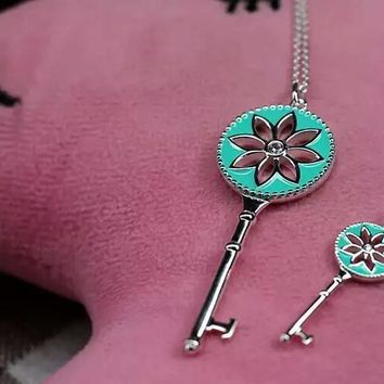 Tiffany trendy sterling silver small blue daisy big blue daisy key necklace high quality