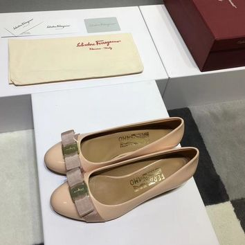 Ferragamo Ferragamo flat shoes in high heels ribbon bow patent leather cowhide shallow mouth round head shoes Meat colorHeel height 3.5cm