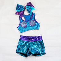 Mermaid workout set includes sports bra, shorts and bow
