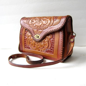 vintage 60s tooled leather purse with flowers. leather shoulder purse.