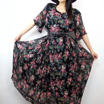 Travel Urge Vintage Dress