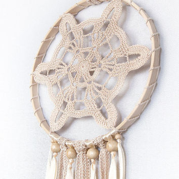 Dreamcatcher, Beige Dream Catcher, Crochet dreamcatcher, Doily Dream Catcher, boho dreamcatcher, wall hanging, wedding decor, handmade