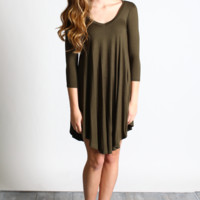 Olive Solid V-Neck 3/4 Sleeve Tunic