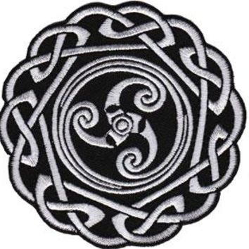 Celtic Art Iron-On Patch Round Knot