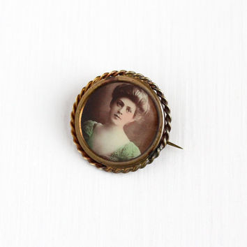 Antique Edwardian Gibson Girl Photographic Pin - Vintage 1910s Brass Coiled Frame Portrait Photo of Beautiful Woman Picture Jewelry Brooch