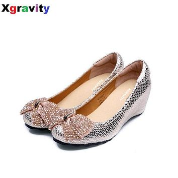 2017 Summer Autumn Fashion Mid-Heeled Wedge Shoes Round Toe Casual Woman Shoes Crystal Butterfly Knot Shoes Women Footwear C133