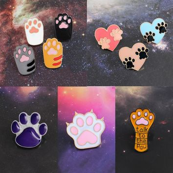 Dog Cat Claw Series Brooch Cute Toe Bean Team Heart Paw Print Talk To The Paw Enamel Pin Denim Backpack Badge Friends Gifts