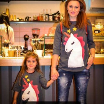 YorkZaler Family Matching Outfits Mother Daughter Clothes 2018 New Style Unicorn Embroidery T Shirt Clothes Mother Son Clothing
