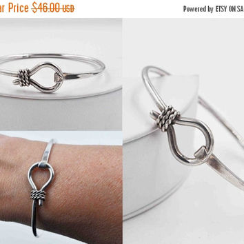 ON SALE Vintage Mexico 925 Silver Hook Front Bangle Bracelet, Mexican, Sterling Silver, Rope, Hook & Eye, Cuff, Stackable, Beautiful! #B665