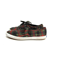 Vintage plaid canvas KEDS. Preppy tennis shoes. 80s Lace up Keds. Womens sneakers. size 10