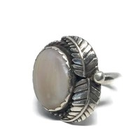 White Agate Silver Ring Size 6 3/4, Navajo Native American Sterling Ring, Blonde Agate, Bohemian Jewelry, NA Jewelry, Tribal Ring