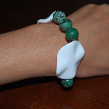 White and Forest Green ooak Beaded Bracelet by chumaka on Etsy