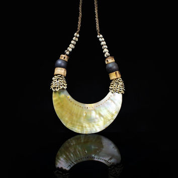 Golden Mother-Of-Pearl Necklace Papua New Guinea Tribal Crescent Art Deco Beach Nature Island Jewelry