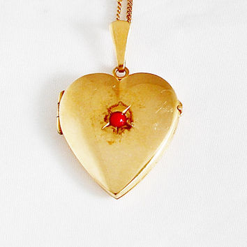 1940s Vintage Heart Locket Portrait Heart Medallion Portrait  Photo