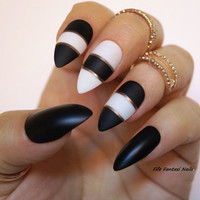 Black Matte Stiletto Nails, White  Stiletto nails, Fake nail, Kylie Jenner, Press on nails, Acrylic nails, Glue on nail, Pointy Nails, Nails