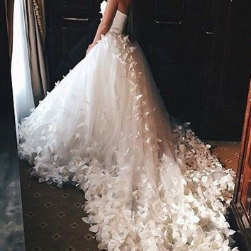 Chapel Train Butterfly Beaded Crystal Ball Gown Wedding Dress Robe De Soiree Ivory Sweetheart Applique Bridal Gown Casamento W70