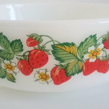 Vintage Anchor Hocking casserole dish, strawberry patterned glass bowl, kitchenalia, old kitchen dishes, fruit pattern oven dish