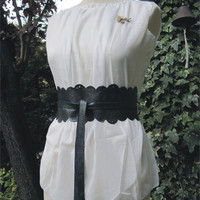 Lace In The Dark  Leather Obi Belt by TheButterfliesShop on Etsy