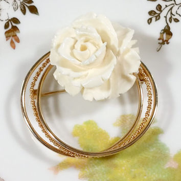 Vintage Carved Celluloid Rose Gold Filled Burt Cassell Brooch Circle Pin Adds a Classic Touch of Nature Inspired Beauty to your Styish LOOK