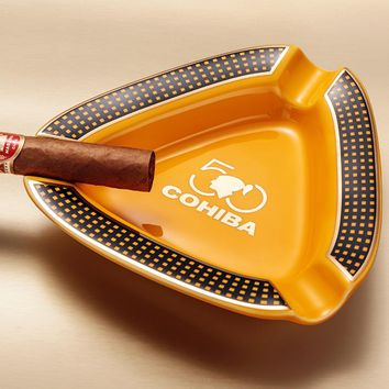 High-end COHIBA Creative Creamic Two Colors Holder 3 Rest Cigar Ashtray