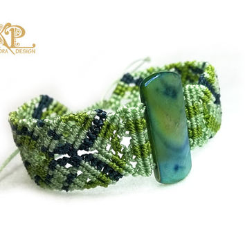 "Micro Macrame Bracelet ""Northern lights"", multicolor, shell bead, knoted bracelet"